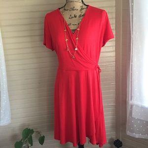 Little red dress faux wrap size L NWT